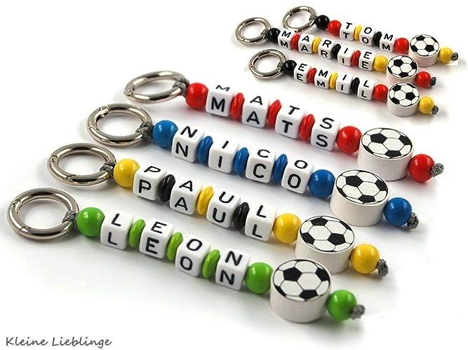 1fb0f9567a0a77 Schlüsselanhänger mit Namen - Kinder - Erwachsene - Taschenbaumler -  Fußball - Schlüsselring - GRATIS Versand