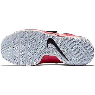 premium selection fa0d1 3fc27 Nike Boy s Team Hustle D 8 (PS) Pre School Basketball Shoe University Red