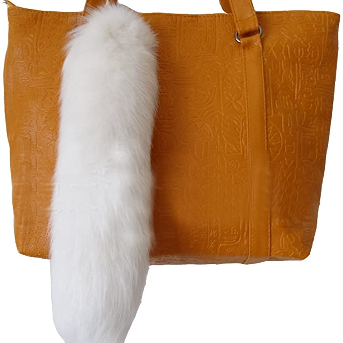 Amazon.com  LvBo 16.5   Real Fox Tail Keychain Fluffy Fur Tail ... d21223f5c98e
