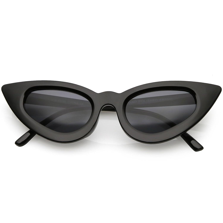 3cfe8ce9a86a1 Amazon.com  sunglassLA - Retro Small Cat Eye Sunglasses For Women Oval Lens  45mm (Black Smoke)  Clothing