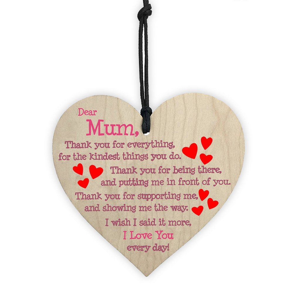ULTNICE Placca appesa in legno firmata Love Heart Shaped Decorative Chic Hanging Tag per la decorazione Festa della Festa della Mamma (Dear Mum)