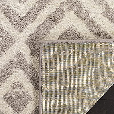 Safavieh Amsterdam Collection AMS105A Southwestern Geometric Ivory and Mauve Area Rug