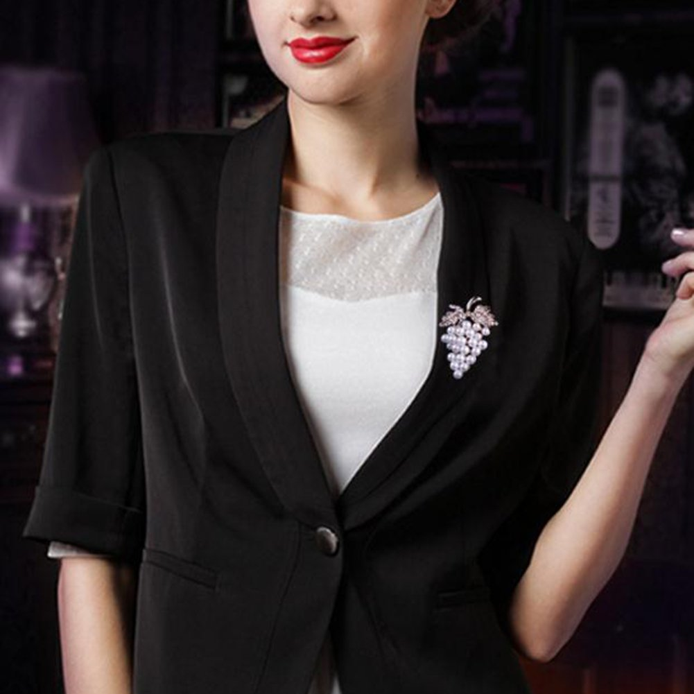 Grape Ruikey donne spille pins elegante perla UVA da sposa pin sciarpe collare clip corpetto per decorazione di Natale 3.8*5.4cm