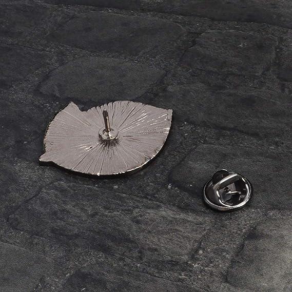 Amazon.com: Broche de mariposa de hierro, ligeramente ...