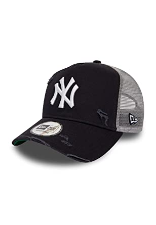 638a3887d0ad1 New Era Adjustable Trucker Cap - DISTRESSED New York Yankees  Amazon ...