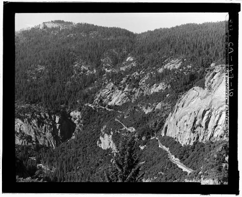 Photo: Big Oak Flat Road,Yosemite Village,Mariposa - Center Twelve Shopping Oaks