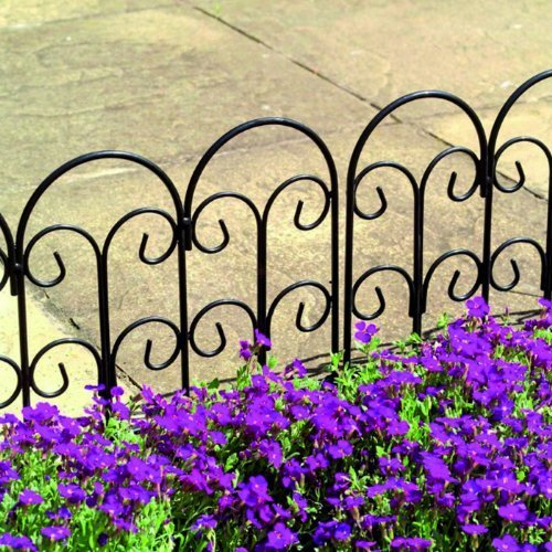 Gardman Edging - Set of 4 x Gardman Steel Lawn Edging (45cm x 41cm) by Gardman
