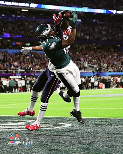 17fea0db15b Amazon.com: Philadelphia Eagles Alshon Jeffrey Scores a Touchdown During  Super Bowl 52 8x10 Photo, Picture: Sports Collectibles