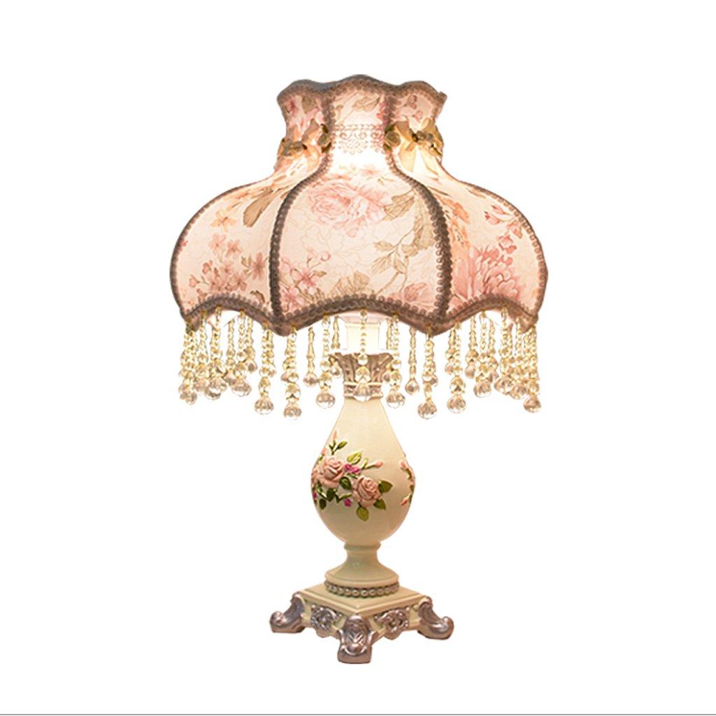 DGF Europäischen Stil Tischlampe Schlafzimmer Nachttischlampe, geschnitzt Harz LampenKörper, Baumwolltuch Lampenschirm, 0,27 CM Nachahmung Kristall Anhänger FGD (Größe   Ø31CMH48CM)