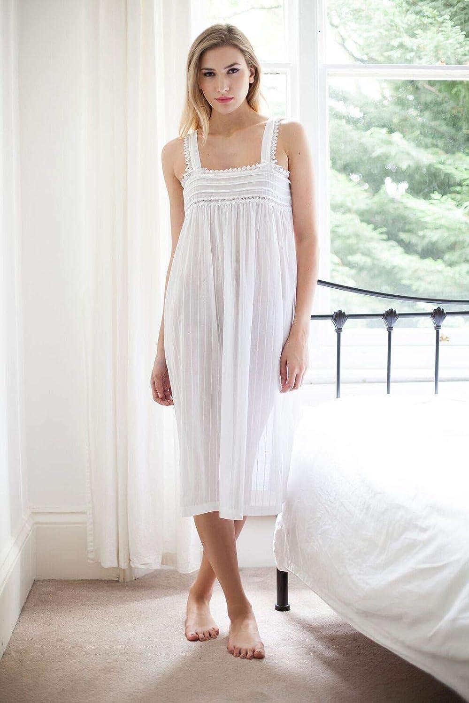 Cottonreal Gilda Cotton 100% White Cotton Lawn Jaquard Ladies Nightdress   Amazon.co.uk  Clothing d58eb681a