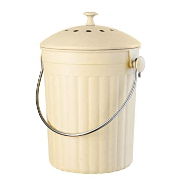 oggi countertop compost pail with charcoal filter made from bamboo fiber