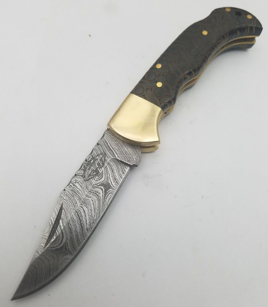 Buffalo Horn 6.5'' Beautiful Engraved Handmade Custom Damascus Steel Brass Bloster Back Lock Folding Pocket Knife 100% Prime Quality with Sharpening Rod