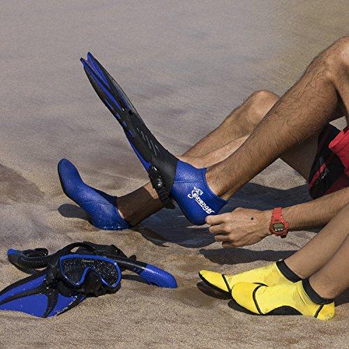 3dbf76341ee4 Best Neoprene Socks for Snorkeling  2019 Reviews   Buyer s Guide