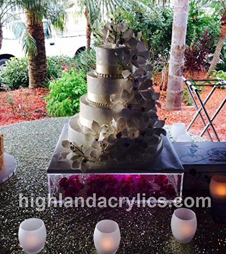 Acrylic Cake Stand with Lid 18'