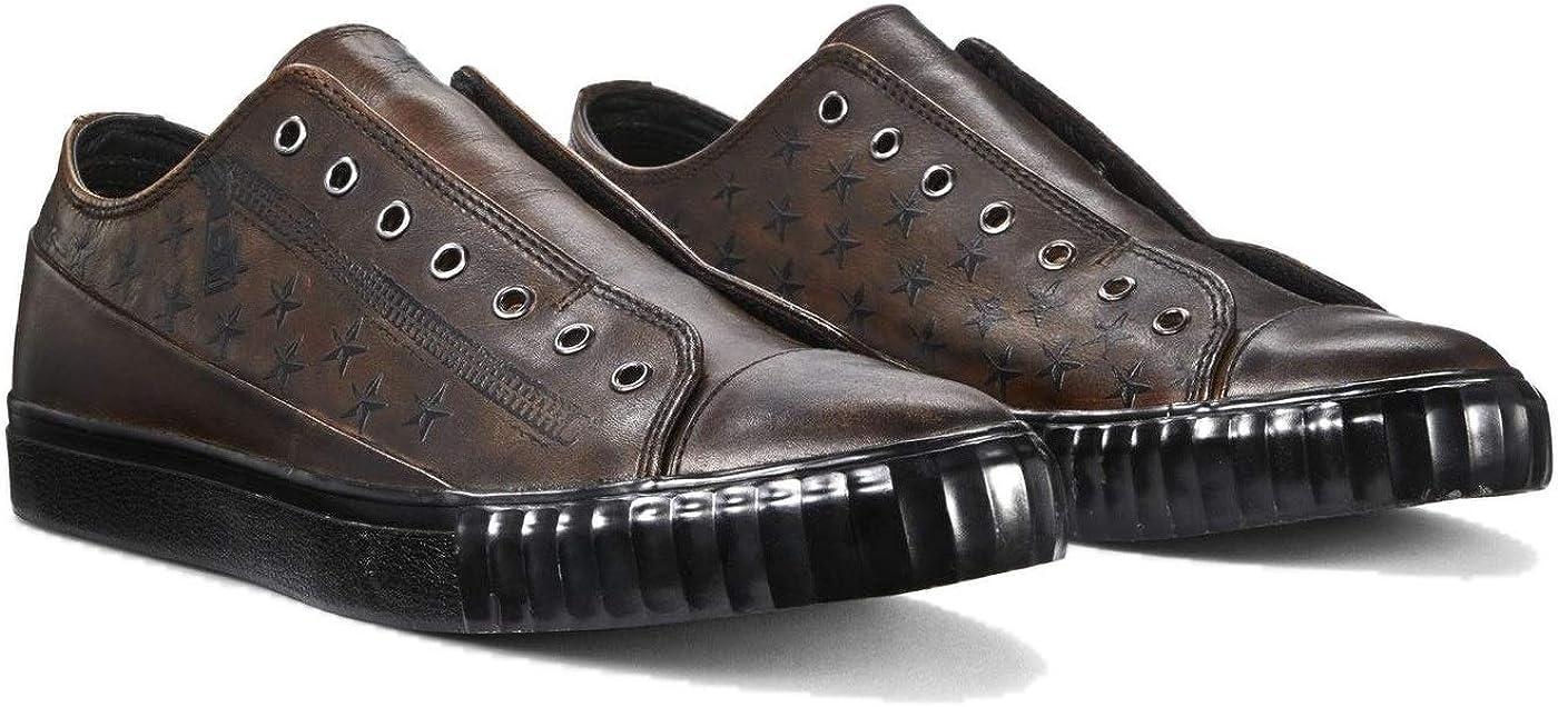Bootleg Laceless Low Top Sneaker