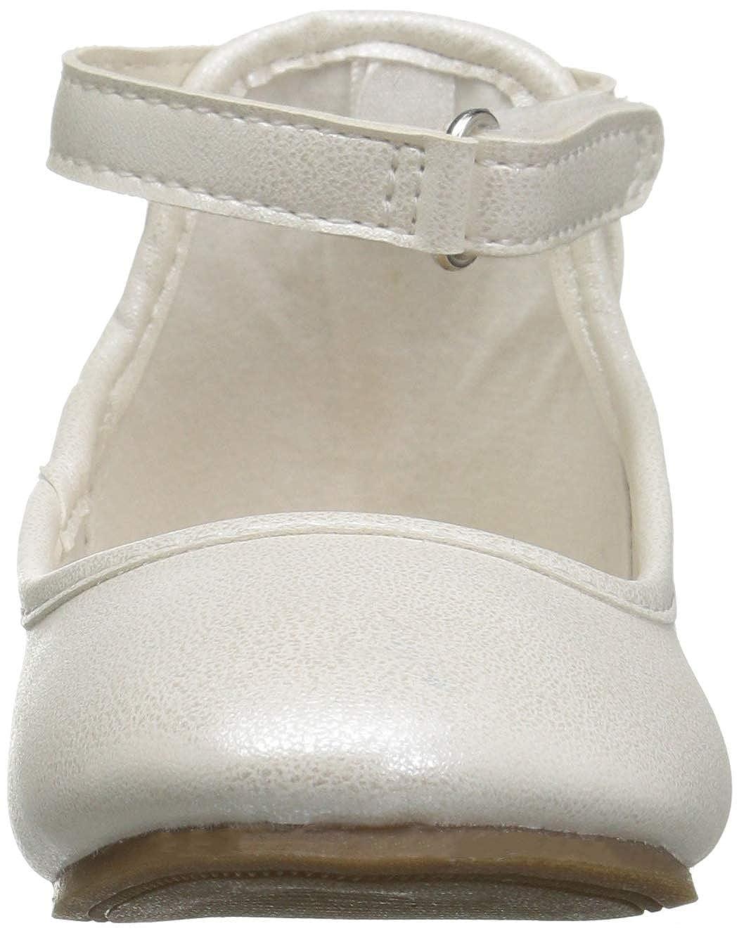 Carters Kids Girls Arietta Ivory Ballet Flat 12 M US Little Kid Carter/'s CF180803