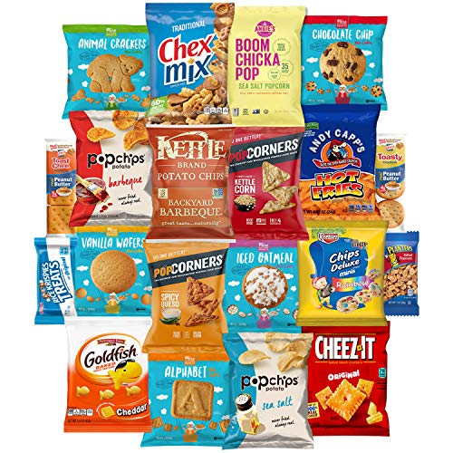 Snack Chest Delicious Set of Treats Sampler Bundle Care Package (20 Count)]()
