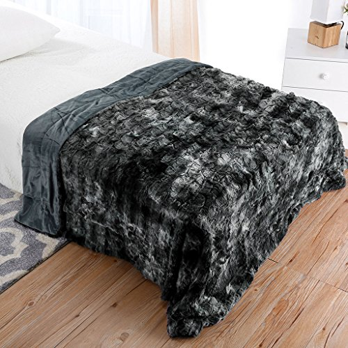 (LANGRIA Luxury Super Soft Faux Fur Fleece Throw Blanket Cozy Warm Breathable Lightweight and Machine Washable Dyed Fabric for All Seasons - Decorative Throw for Couch Bed (60x80, Twin Size Black))