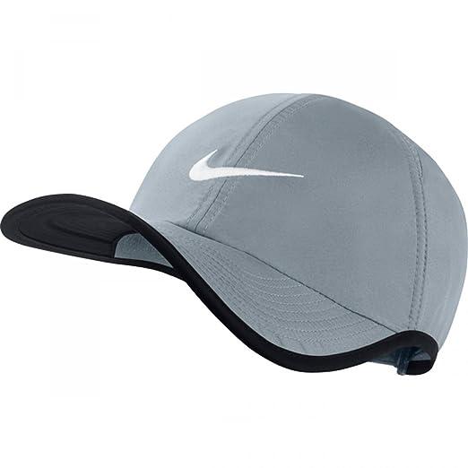 6d812c09237 Amazon.com  Nike Unisex Feather Light Adjustable Hat