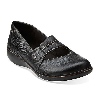 a2bb479ee3341 Amazon.com | CLARKS Women's, Ashland Twist Slip on Shoes Black 5.5 M | Flats