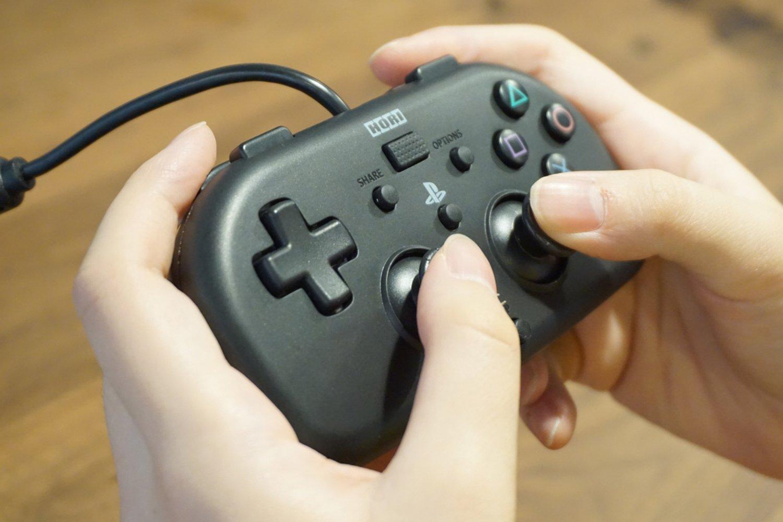 ワイヤードコントローラーライト for PS4 ブラック