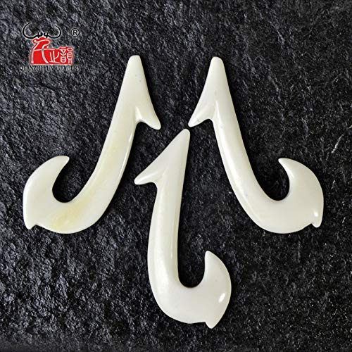 Calvas 3PCS Handmade Carved Yak Bone Fishhook Pendant New Zealand Maori Style Bone White Beads DIY Jewelry Accessory 34mm