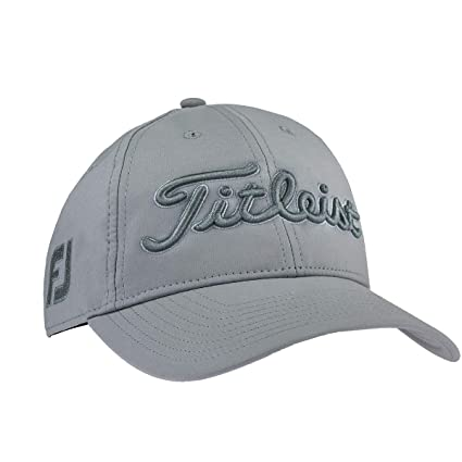 Amazon.com   Titleist Tour Performance White Collection Golf Cap ... 9b85e9eb15f2
