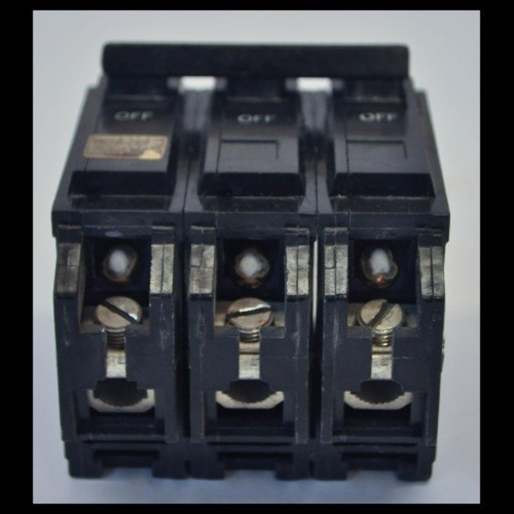 GE THQL32070 Plug-in Mount Type THQL Feeder Molded Case Circuit Breaker 3-Pole 70 Amp 240 Volt AC