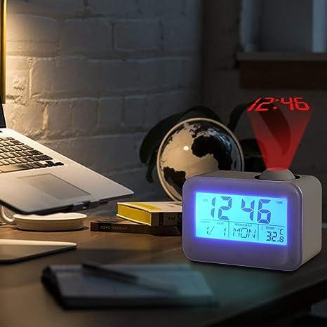 Hangrui Reloj Despertador de proyección Digital, Reloj con Pantalla LCD Control de Voz Sonido de transmisión con Fecha,de Temperatura y función de ...