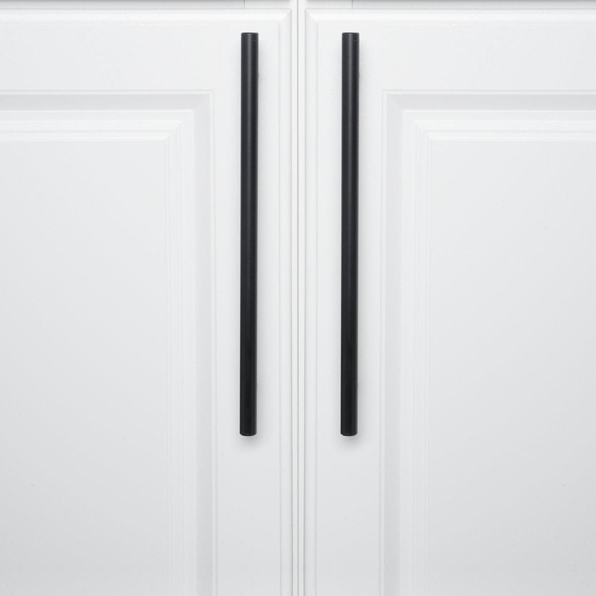 Basics Europ/äischer Steggriff Matt-Schwarz 1,27 cm Durchmesser M/öbelgriff Lochmitte zu Lochmitte: 32,08 cm L/änge: 31,1 cm 10er-Pack