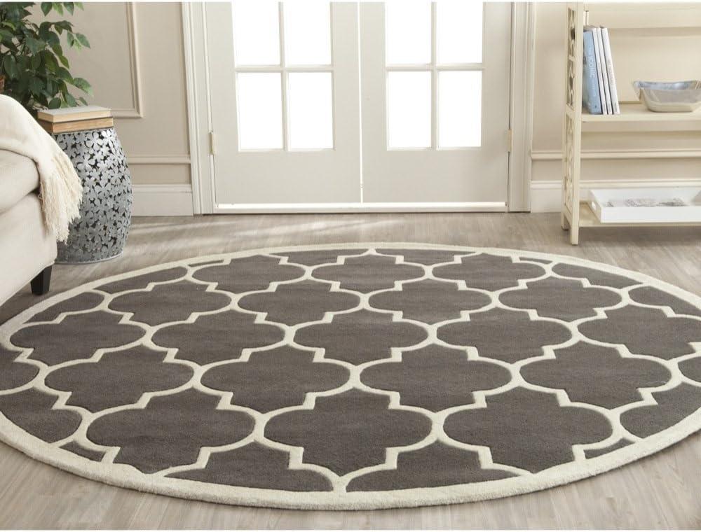 Amazon Com Safavieh Chatham Collection Cht733d Handmade Geometric Premium Wool Area Rug 8 9 X 8 9 Round Dark Grey Ivory Furniture Decor