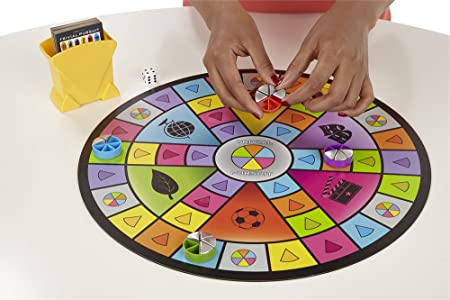Hasbro - Juegos en Familia Trivial Pursuit Party (A5224105): Amazon.es: Juguetes y juegos