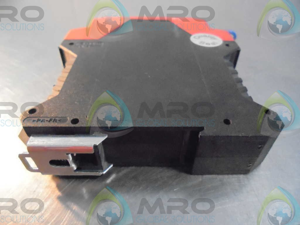 Telemecanique XPSAFL5130P SAFETY RELAY OUTPUTS: 3 24VAC//DC SOLID STATE LIGHT CURTAIN
