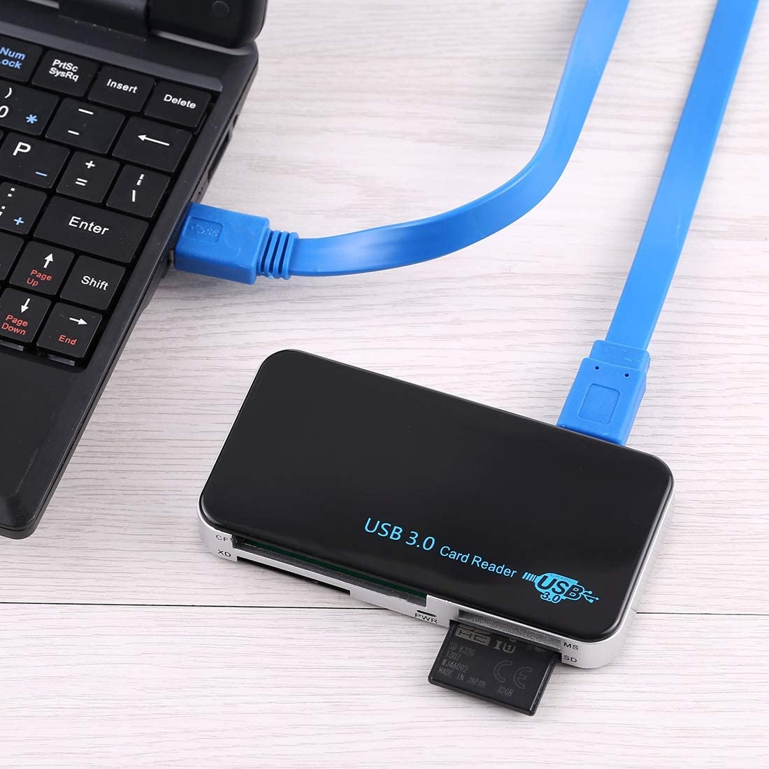 Support CF//SD//TF // M2 // XD//MS Card Plastic Shell Premium Material USB 3.0 Card Reader Super Speed 5Gbps