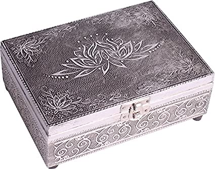 Lotus Tarot box.