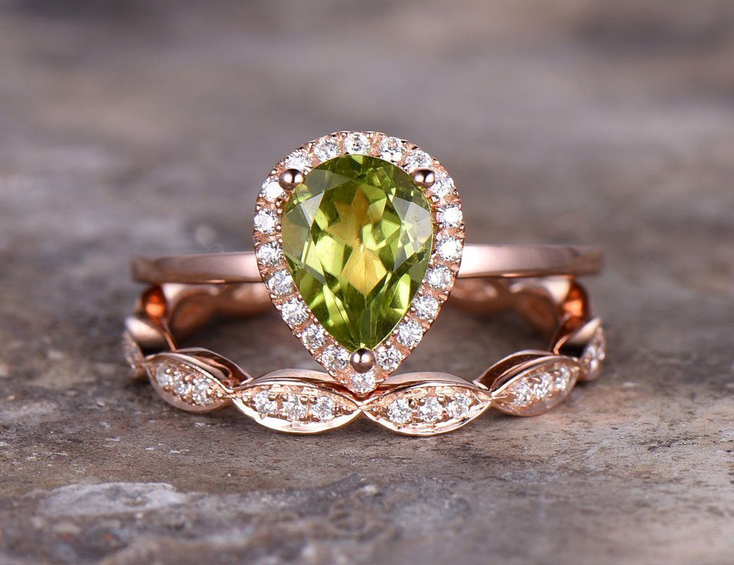 2pcs Pear cut wedding ring set,Green peridot Engagement ring,rose gold plated,925 sterling silver stacking,Man Made diamond CZ ring,any size