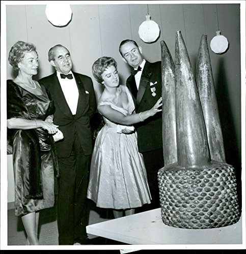 Vintage Photo Of  The Power Of Center  On Display During The Gala Evening At The Museum Of Modern Art  Int  Club And The Association For The Artist City Of Paris Organized The Party