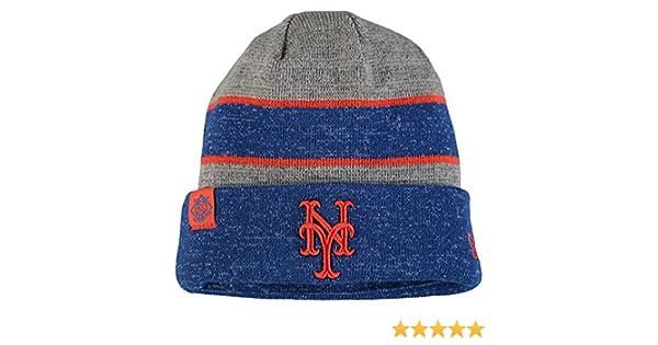 timeless design 19cfa a69db Amazon.com   New York Mets New Era On Field Sport Knit Beanie Heathered Gray  Heathered Royal   Clothing