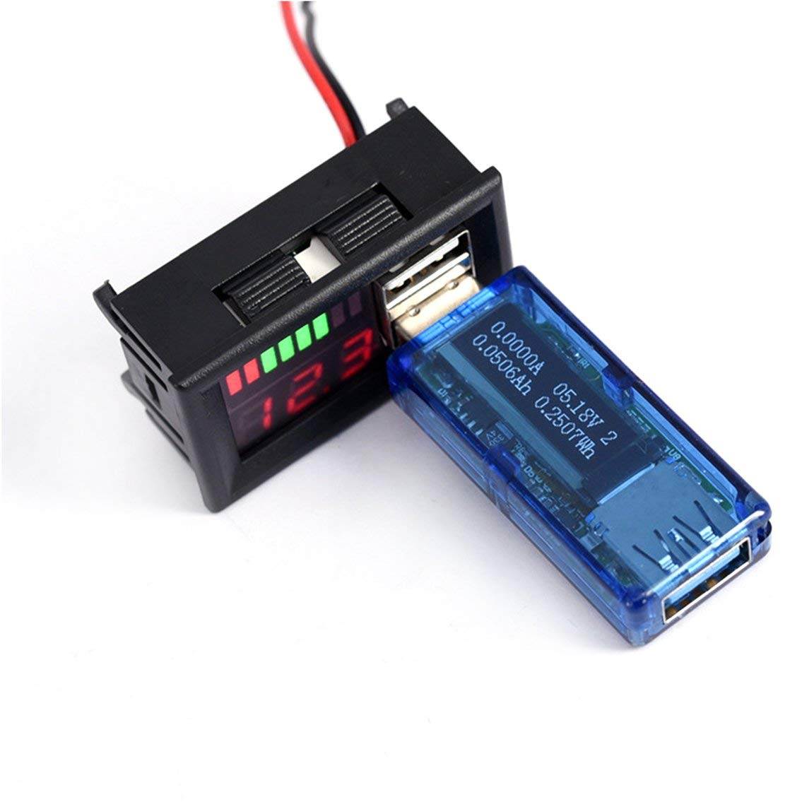 Rojo Pantalla Digital LED Volt/ímetro Medidor de Voltaje Volt Tester Dual USB 5V 2A para DC 12V Coches Motocicletas Veh/ículos Capacidad de la bater/ía