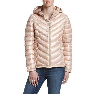 106a4517761ef Amazon.com: Calvin Klein Women's Short Packable Featherweight Down Coat:  Clothing