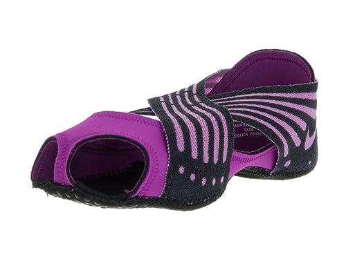 check out cb495 3b2d4 Nike Wmns Studio Wrap 4, Zapatillas de Gimnasia para Mujer, Morado (Hyper  Violet Fuchsia Glow-Blk), 38 EU  Amazon.es  Zapatos y complementos