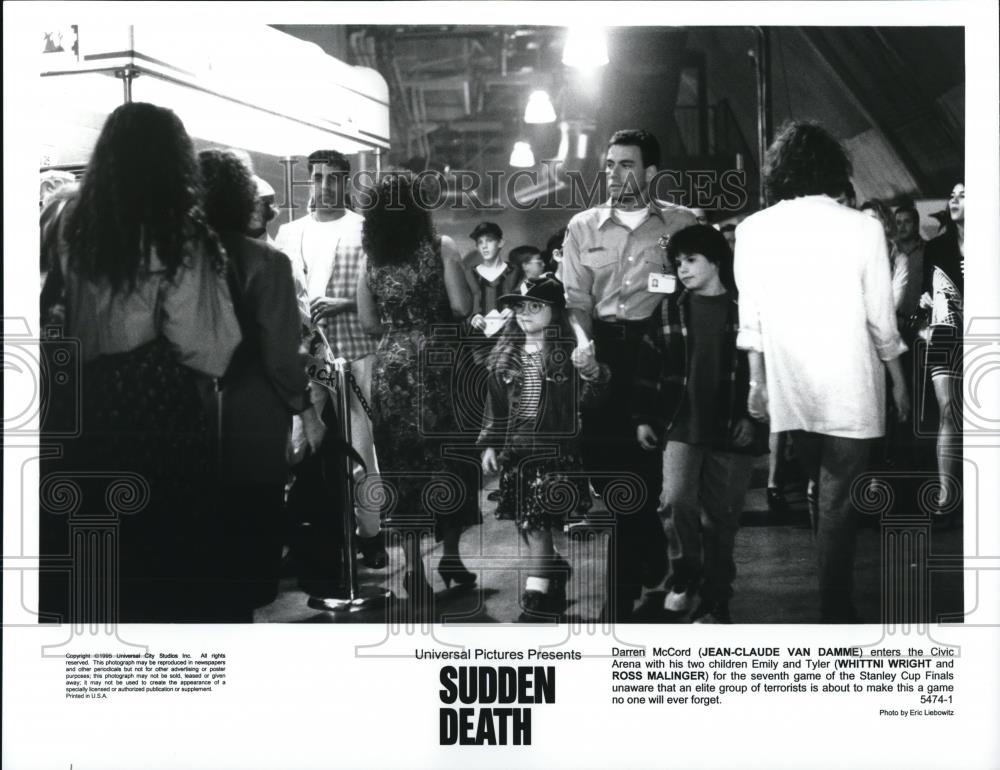 Amazon.com: 1995 Press Photo Jean Claude Can Damme Whittni Wright Ross Malinger Sudden Death: Photographs
