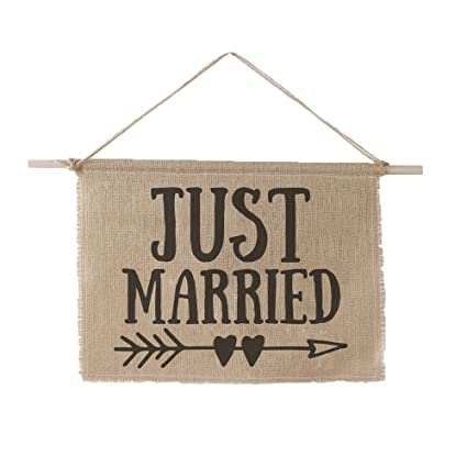 Amazon.com: Ivy Lane Diseño am1037 Just Married señal, 11 x ...