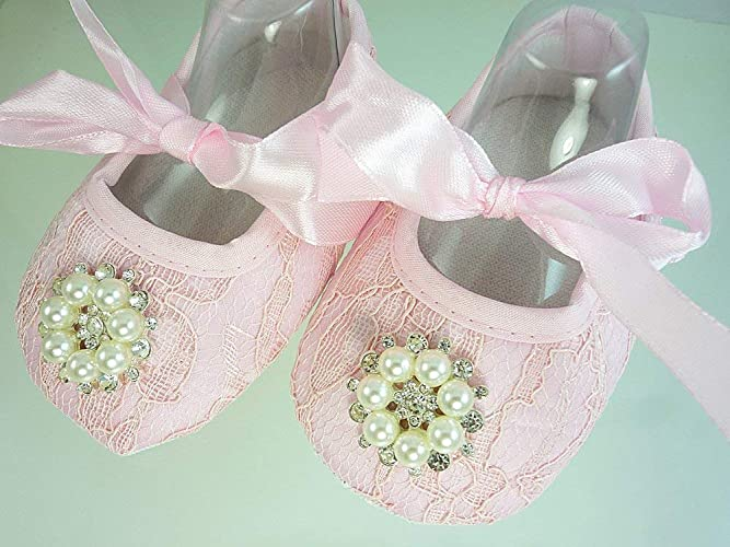 b96385c3004d Amazon.com  Pink Lace Baby Shoes
