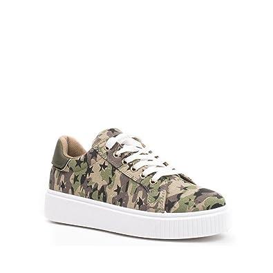 Baskets en toile imprimée et CHANEL | shoes | Chaussure
