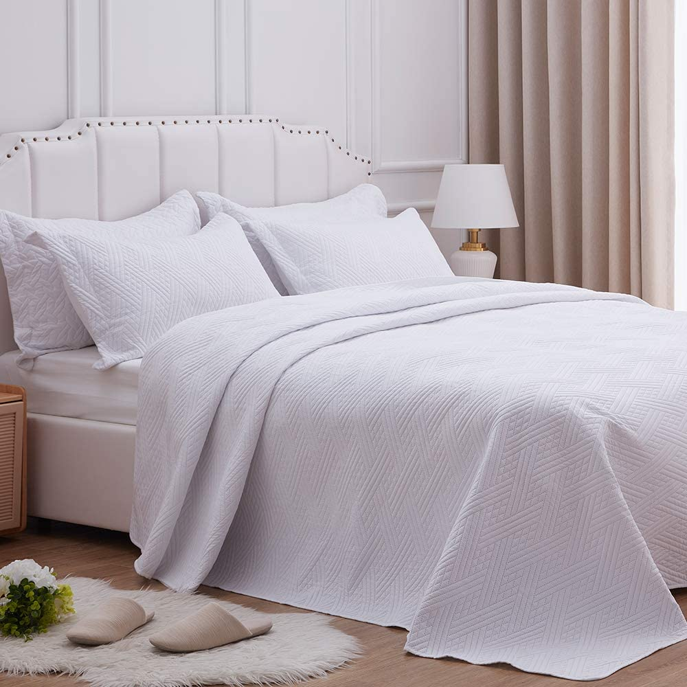 SunStyle Home Quilt Set Full/Queen Size,White Diamond Pattern Bedspread-90 x96, Soft Lightweight Microfiber Coverlet, Luxurious Warm Bed Cover for All Seasons-3 Pieces(1 Quilt, 2 Pillow Shams)