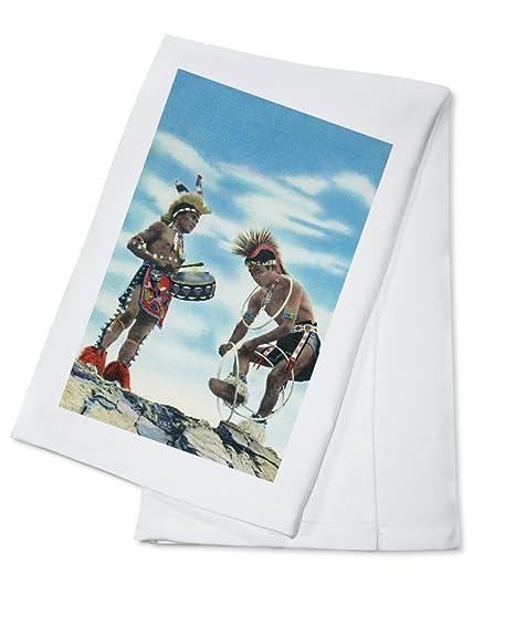 Pueblo de indios bailando el baile. (100% algodón absorbente toalla de cocina (