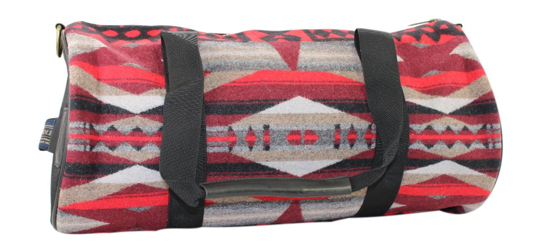 Pendleton Round Gym Bag (La Paz Scarlet)