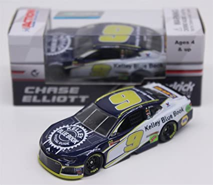 Amazoncom Chase Elliott 2018 Kelly Blue Book 164 Toys Games
