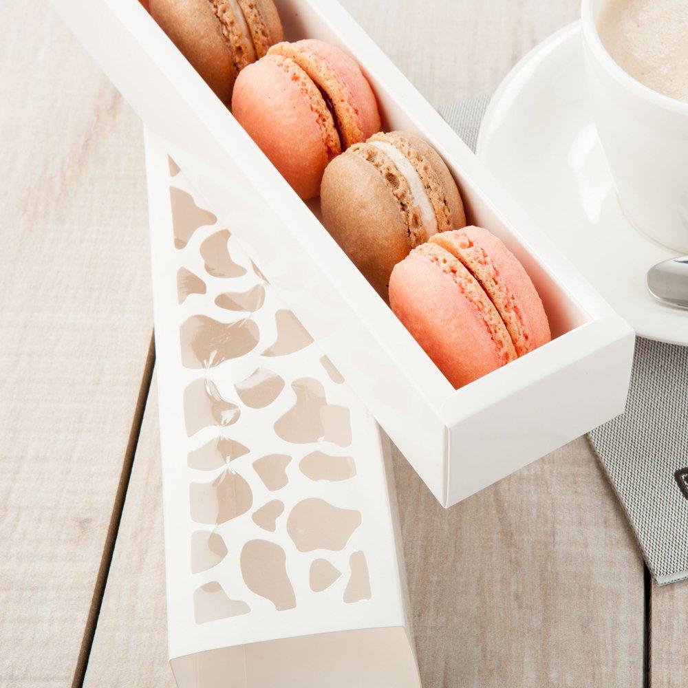 White Medium 10 Sentiero Macaron Packaging Bakeware Set 100ct Box Restaurantware